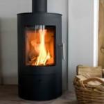 Démarrage d'un poêle à bois : fumée blanche et mauvaise odeur