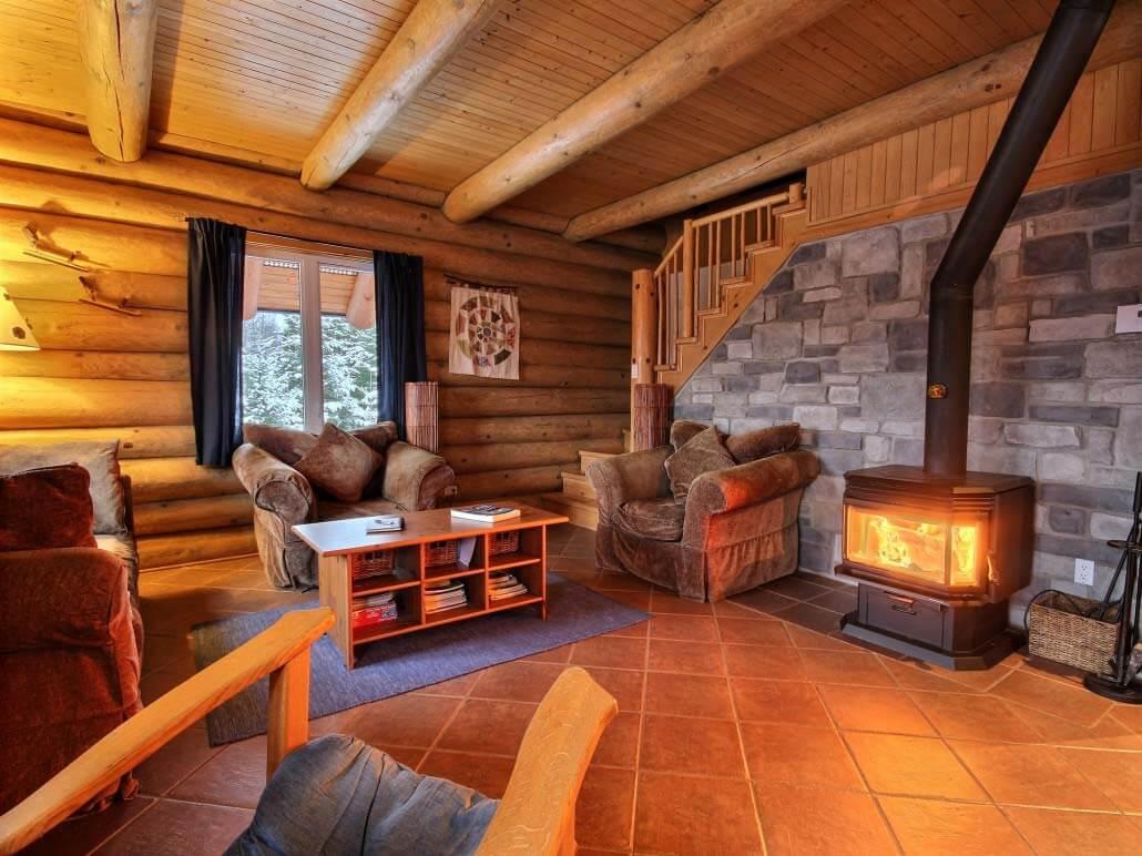l installation d un po le bois dans un chalet de jardin. Black Bedroom Furniture Sets. Home Design Ideas